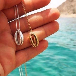 Jewelry - Golden silver conch necklace minimalist boho